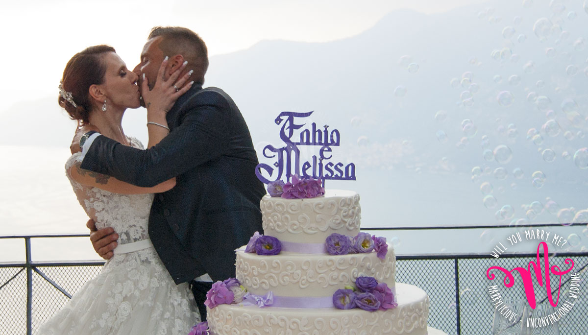 bacio torta matrimonio