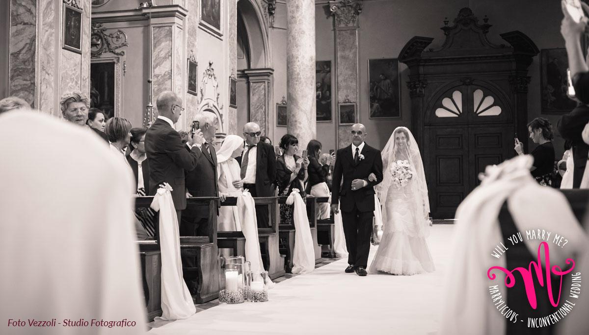 entrata sposa chiesa