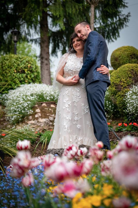 sposi-tra-i-fiori