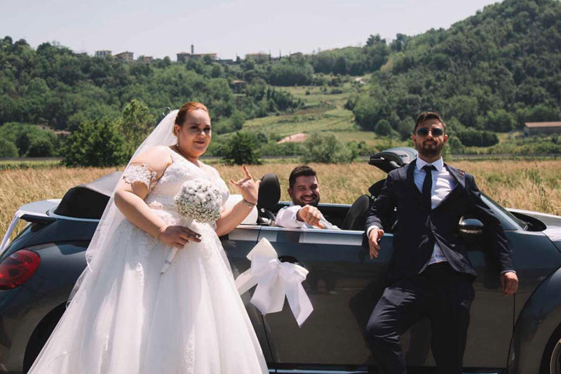 sposi-testimone-e-auto